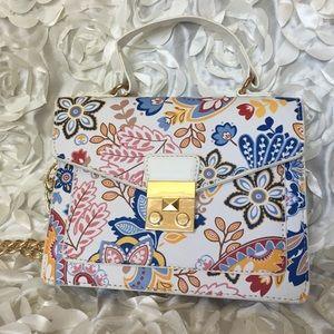 Handbags - 🌸🌸 Floral crossbody bag